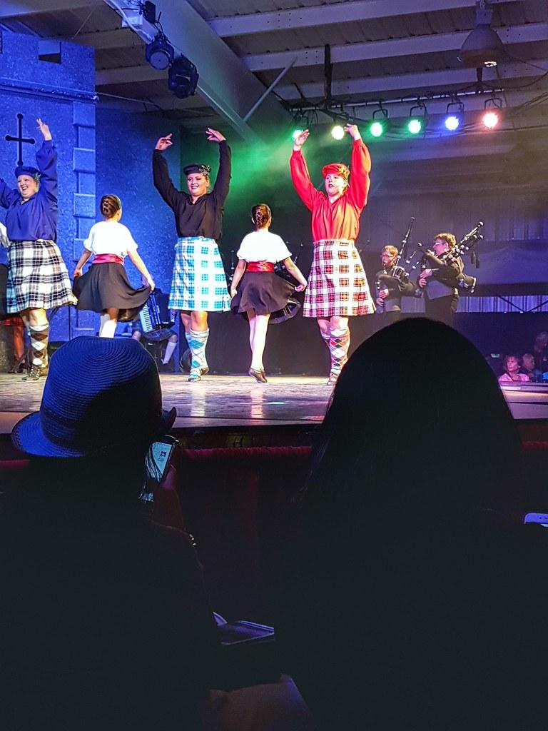 Scottish pavilion dancers 2