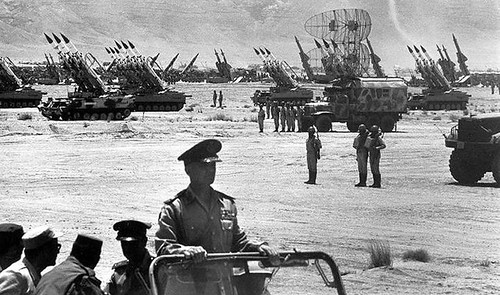 the-military_Egypt_Sadat_Sam_missiles_Suez_1974_730px_01843848_3aa2487699