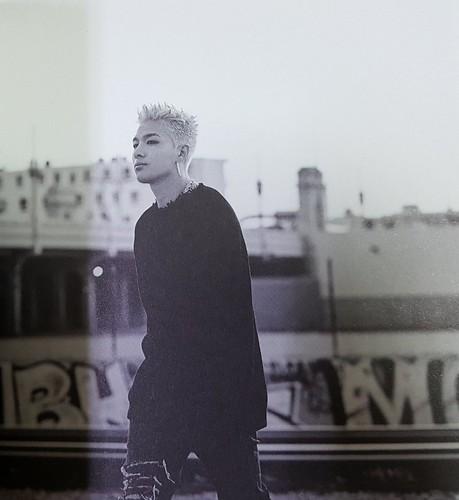 Taeyang WHITE NIGHT RED Edition (22)