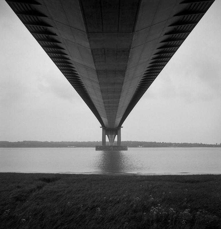 FILM - Under the bridge
