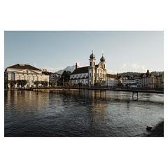 Lucerne Leica Q . #leicaQ #leica #leicacamera #leicaqtyp116 #leicacraft #leica_photos #leica_uk #leica_world #leicaphotography #twitter #sunshine #lucerne #switzerland #enjoy #fun #goodtimes #cityscape #river #pilatus