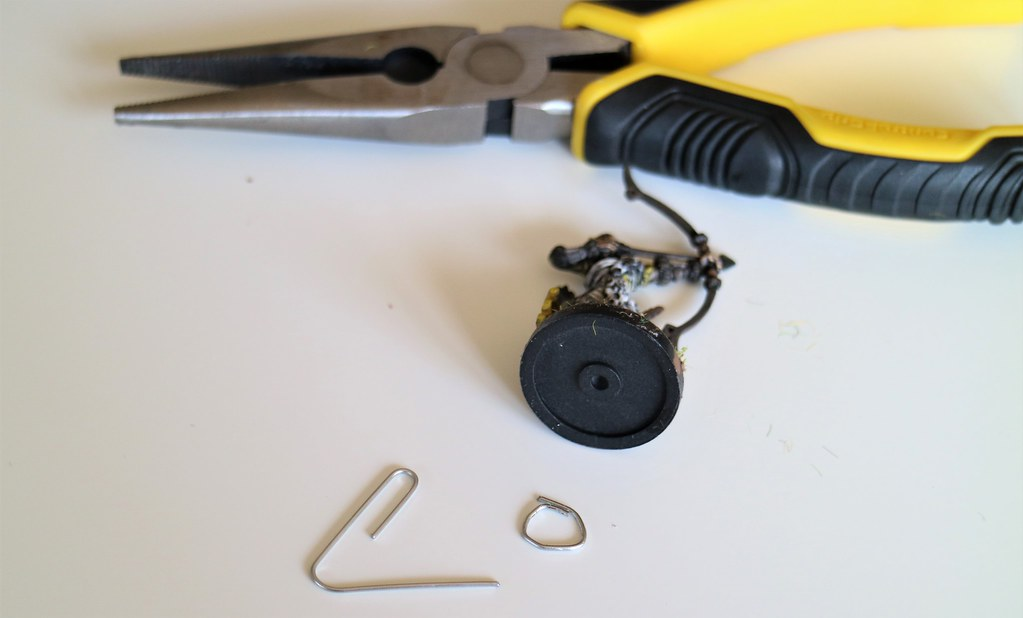 Runewars Miniatures Magnets Step 3