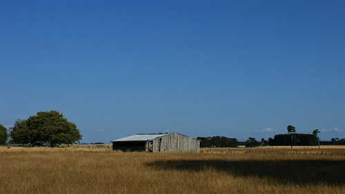 barn, east of Sanson: SH3 (3)
