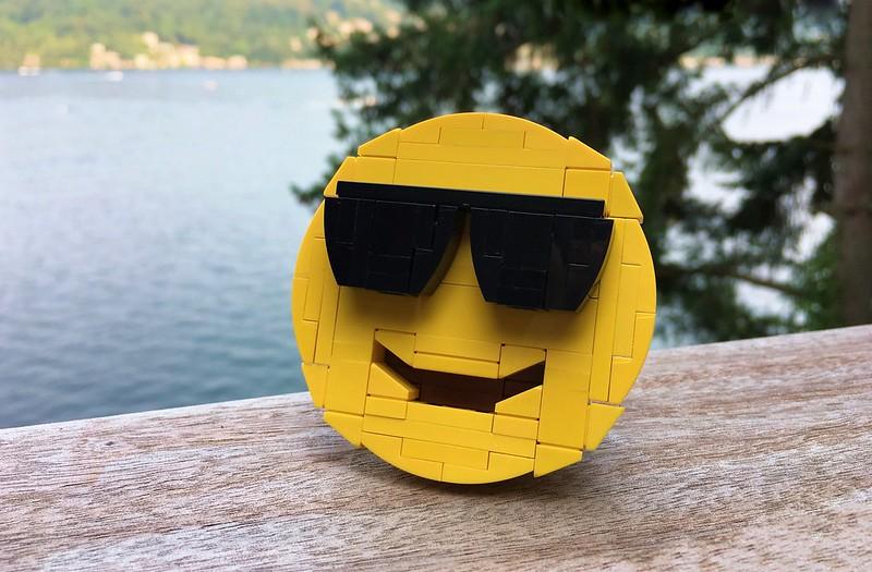 """Mr Cool"" Brickmoji model for BrickLoot"
