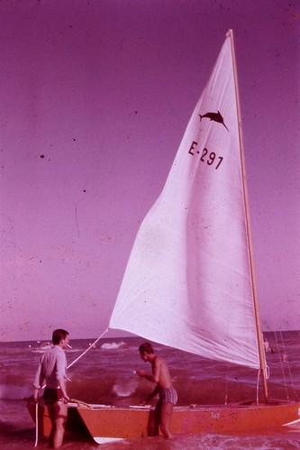 El primer patí de la familia Vidal. Hi surten en Josep M. i en Tito Vidal. Any 1963.