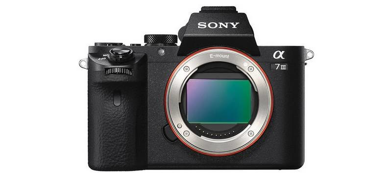 Le Sony A7III sera un bébé A9 et devrait être annoncé aujourd'hui