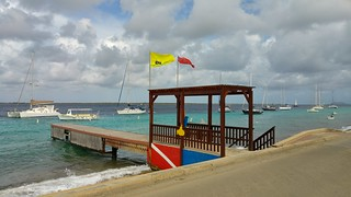 Dive Friend Bonaire Yellow Submarine