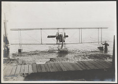 [Floatplane at Shorline]
