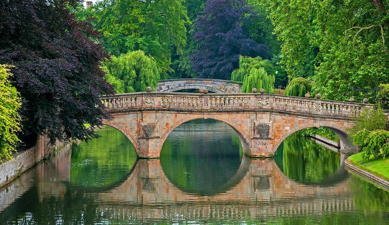 Clare Bridge reflected - Cambridge. Credit bvi4092