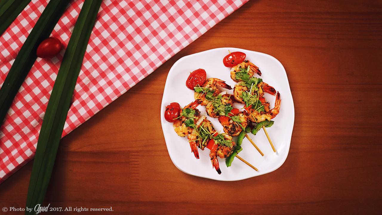 Low Carb Grilled Garlic Herb Shrimp Skewers Recipe