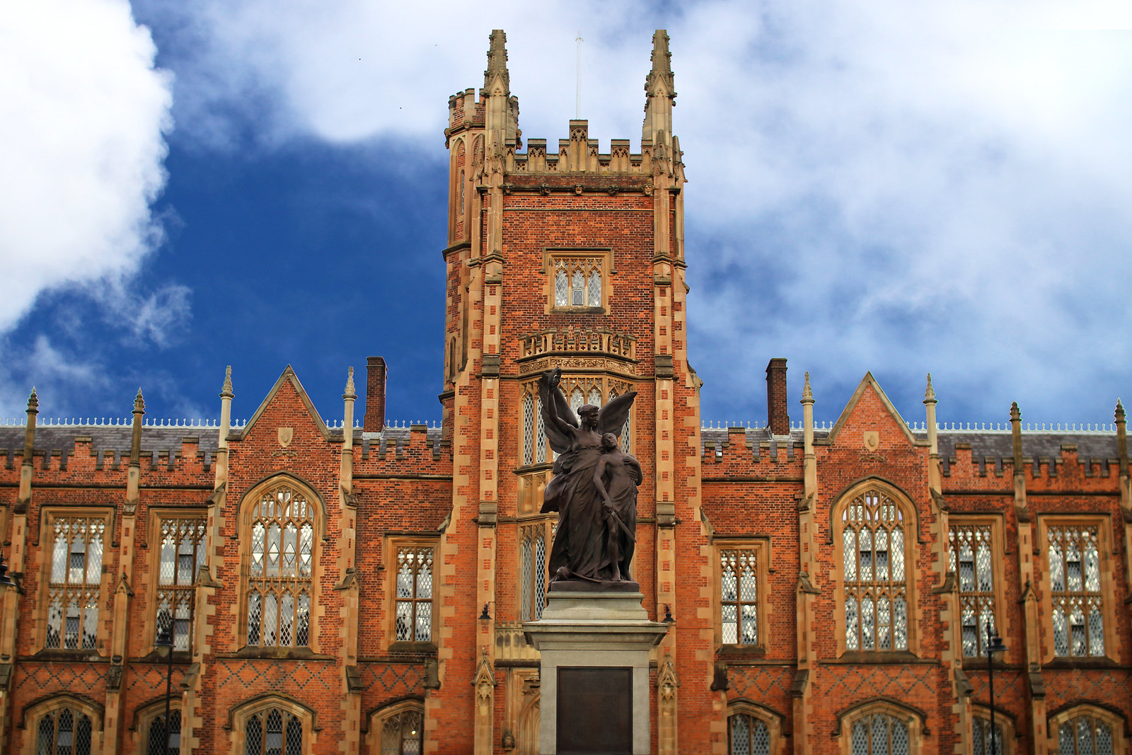 Queens University Belfast 48 hour Guide travel blogger UK Northern Ireland