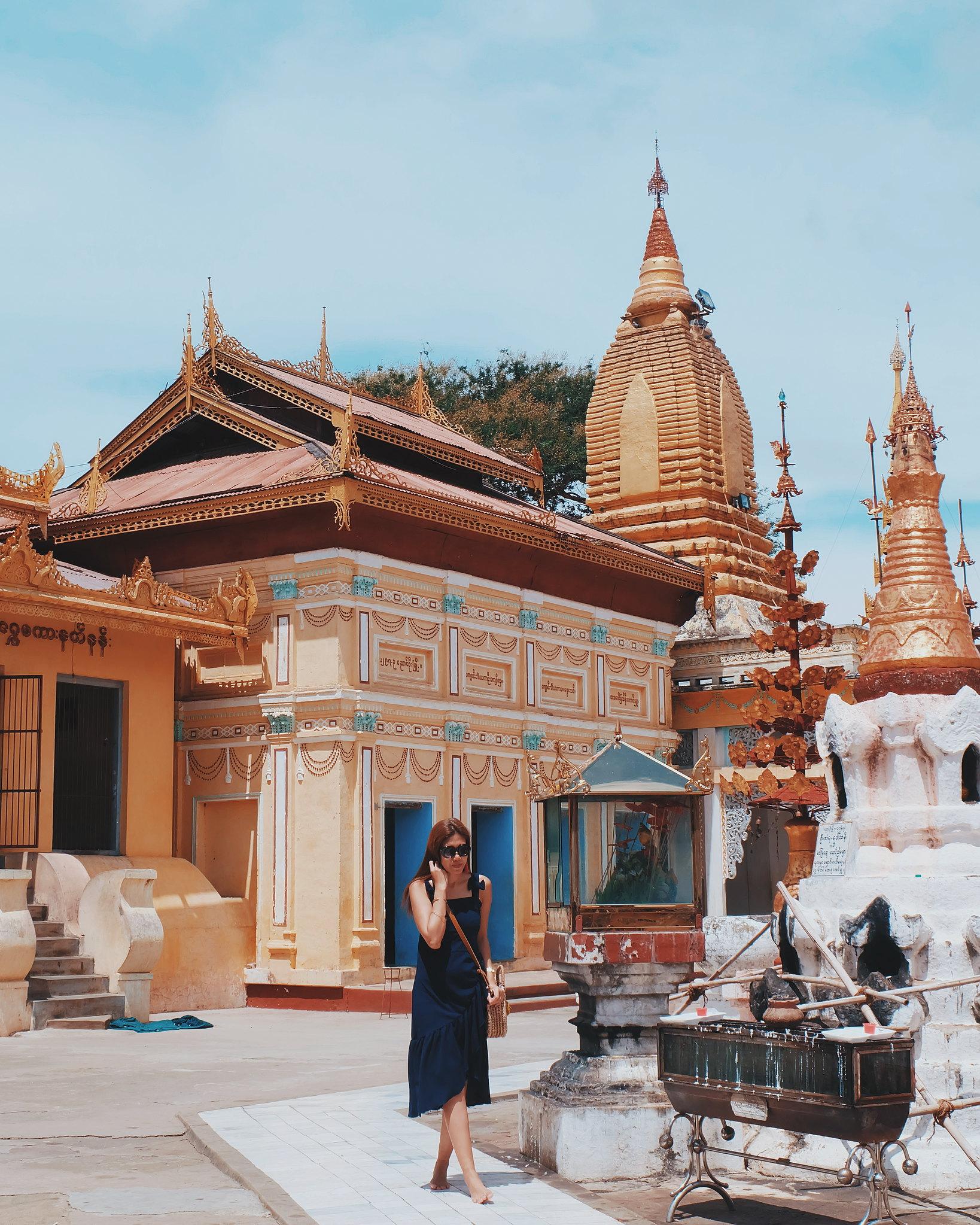 myanmar bagan temple outfit