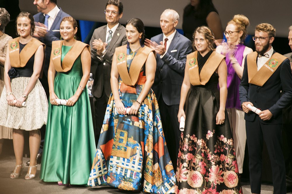fashion blogger spain somethingfashion valencia graduation college ceremony outfit dress architecture3