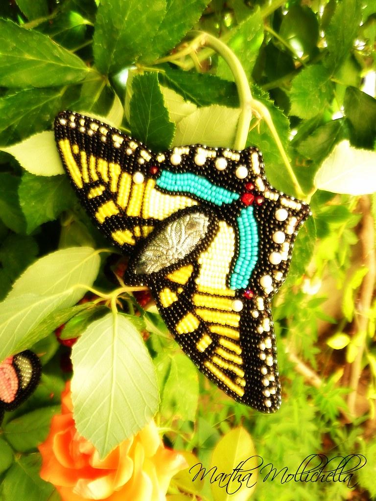 farfalle ricamate a mano da Martha Mollichella Handmade Jewerly