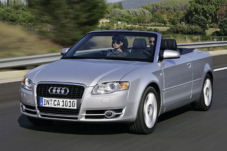 Audi_A4Cabriolet_2004_R1