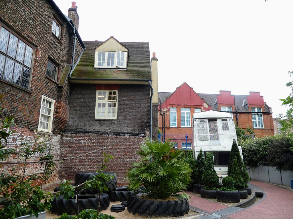 Breaker's Yard Garden, Sutton House, Hackney