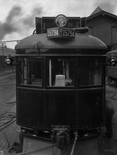 Front view of electric streetcar No. 15794, Montréal, Quebec / Vue avant du tramway électrique no 15794, Montréal (Québec)