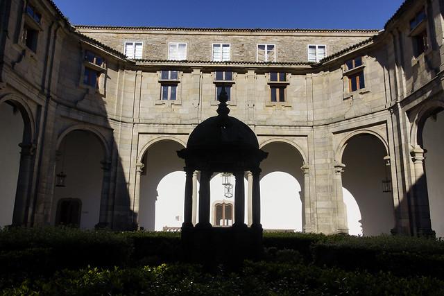 Claustro del Hospital Real, Santiago