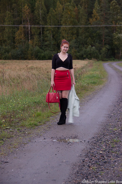 OOTD Ellos Bikertakki bikerjacket mint nahkarotsi nahkatakki River Island napapaita Esprit hame Tyyliblogi muoti fashion blogger styleblog finland DKNY bag boots