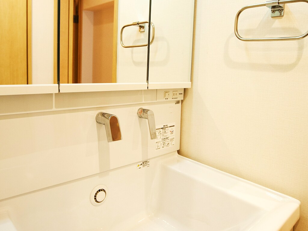 リノベーション前の洗面スペース・洗面台