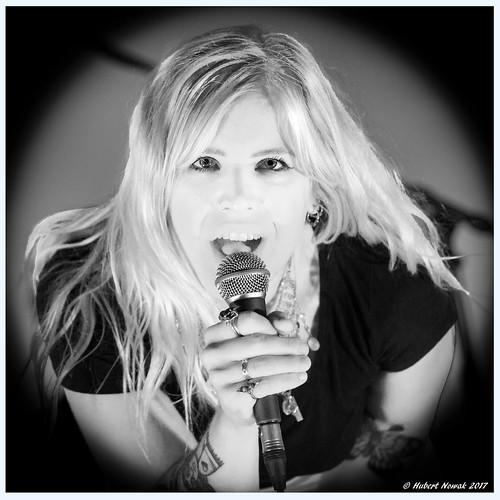 Lisa Lystam - Let the music do the talking!