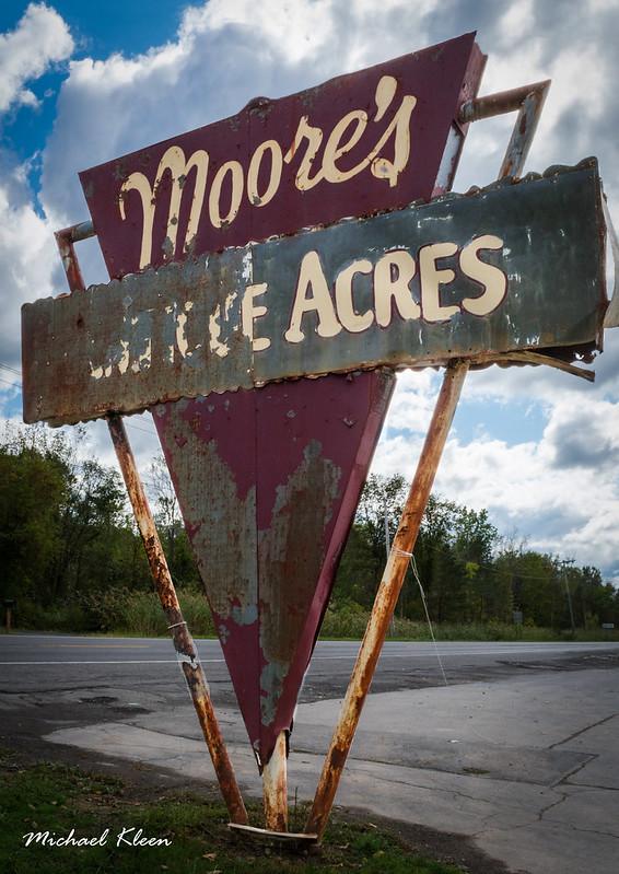 Moore's Antique Acres