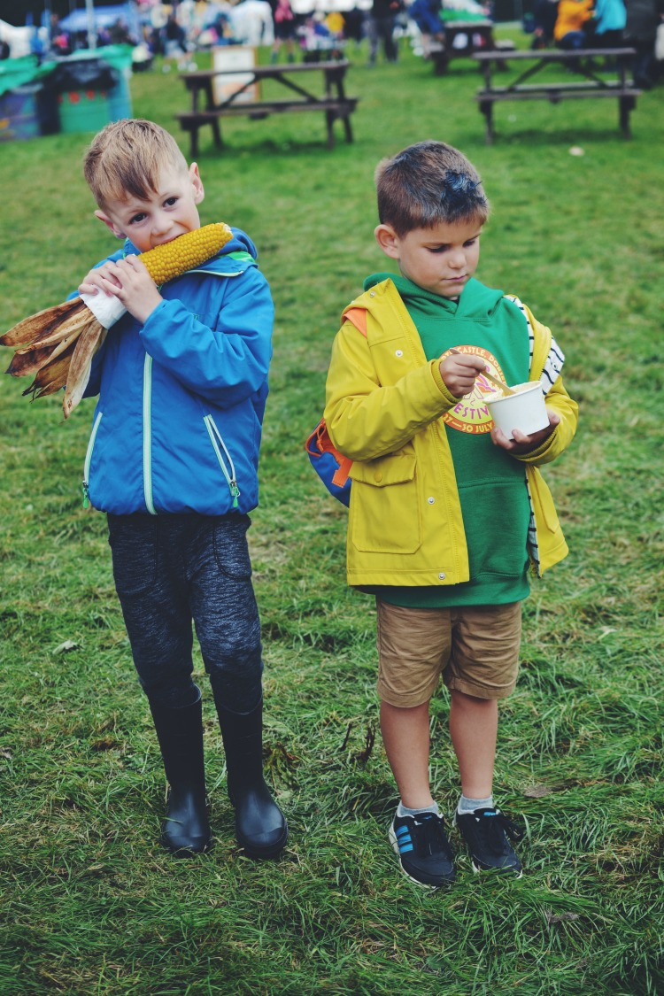kids eating food at camp bestival