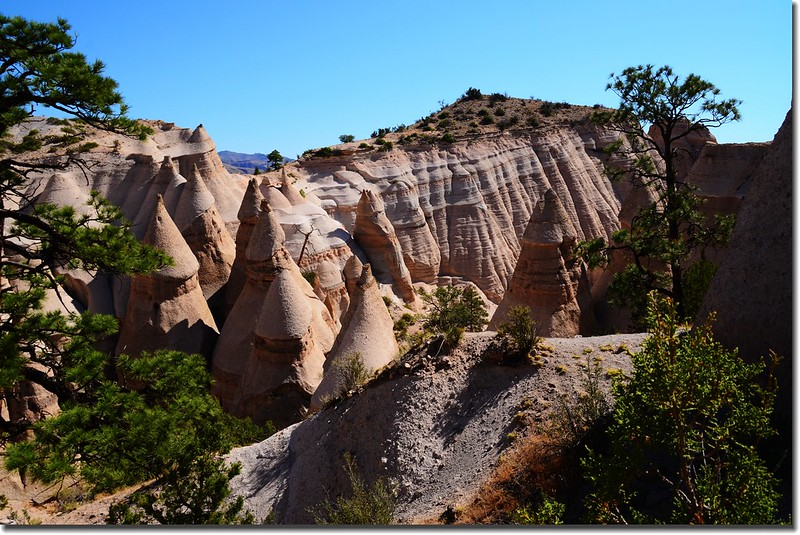 Above the tent rocks, seen from the upper part of the Slot Canyon Trail (2)