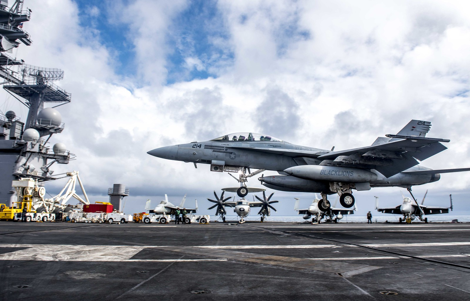 An F/A-18F Super Hornet lands aboard USS George H.W. Bush during exercise Saxon Warrior 2017.
