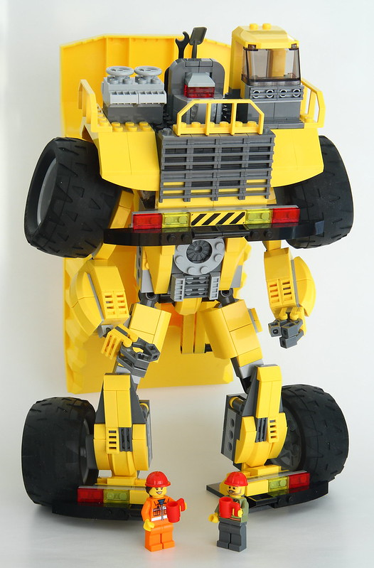 Lego City Dump Truck (Long Haul) - Robot mode