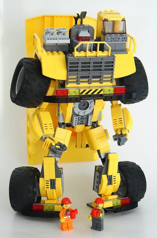 Lego City Dump Truck (Long Haul) - Robot mode