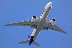 Fedex B777-200F N861FD approaching runway 25R at HKG/VHHH