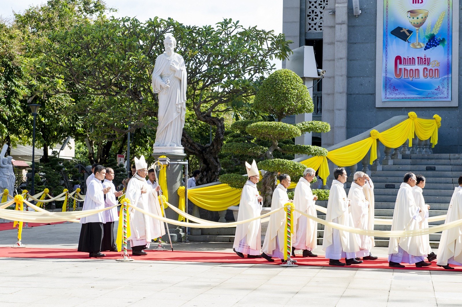 Giáo phận Bà Rịa: Thánh lễ Truyền chức Linh mục 2017 - Ảnh minh hoạ 5