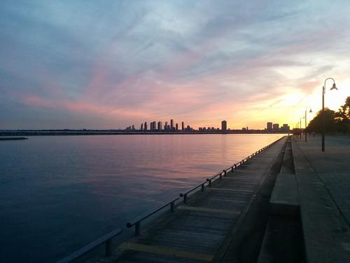 Skyline #toronto #lakeontario #humberbay #marilynbellpark #evening #skyline