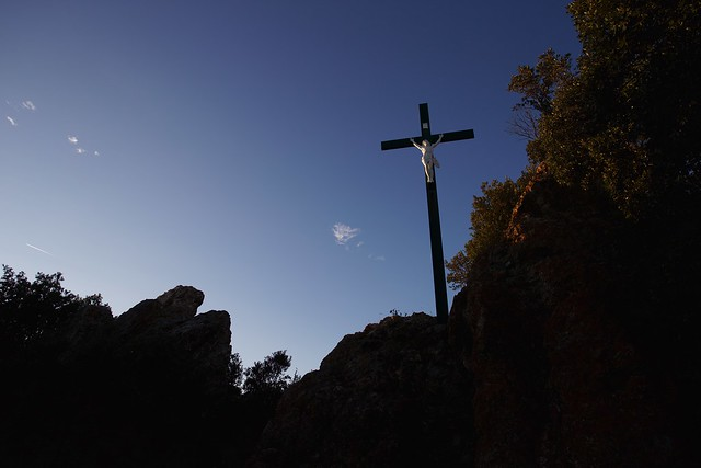 Crucifix by the castle in Roquessels