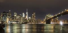 Puente de Brooklyn de noche
