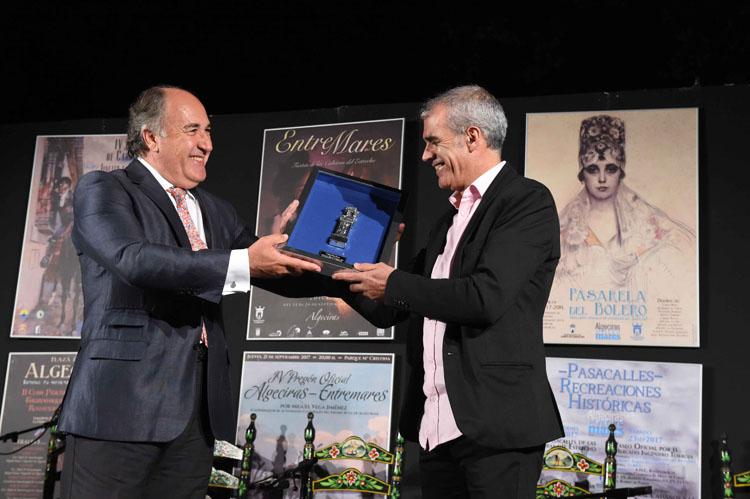 PREGÓN ANUNCIADOR DE LA CUARTA EDICIÓN  DE ALGECIRAS ENTREMARES A CARGO DE MIGUEL VEGA1