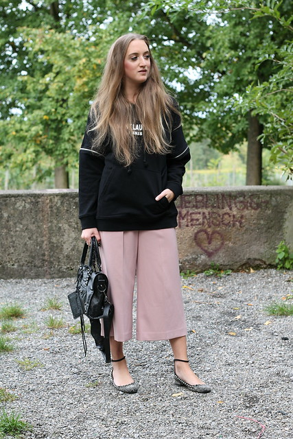 hoodie-and-culottes-whole-outfit-front-wiebkembg