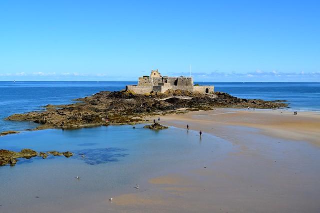 St. Malo Fort | www.rachelphipps.com @rachelphipps
