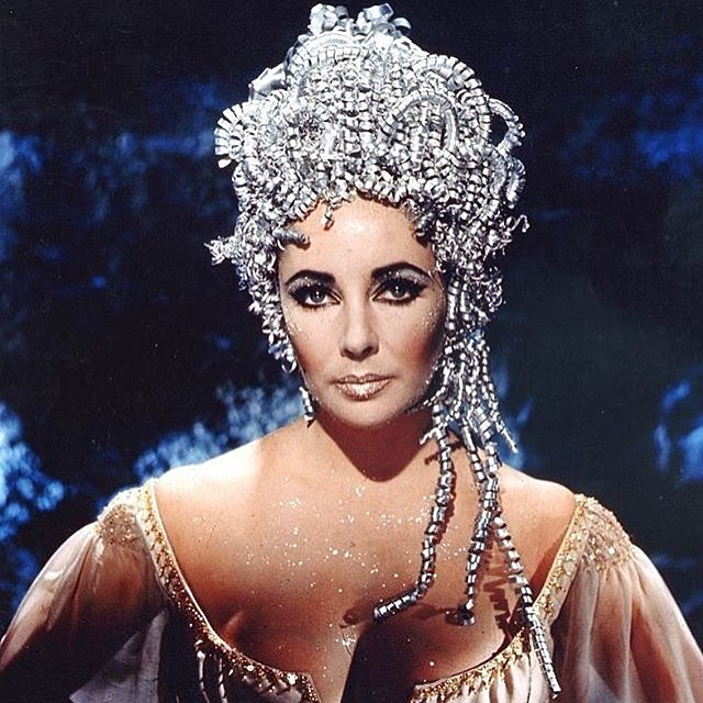 Headdress goals ✨✨✨