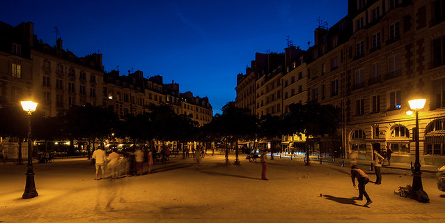 Paris - Place Dauphine -, Sony SLT-A77V, Tamron SP AF 10-24mm F3.5-4.5 Di II LD Aspherical IF