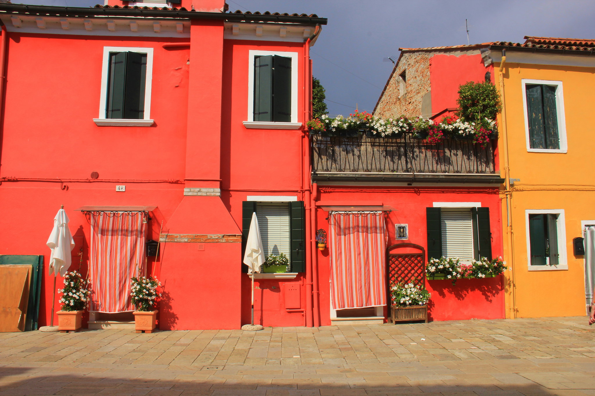 The Burano island is 40 minutes water bus ride from Venice