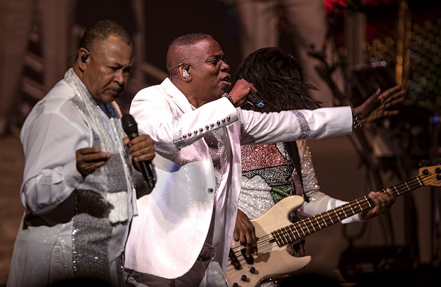 Earth, Wind & Fire 12