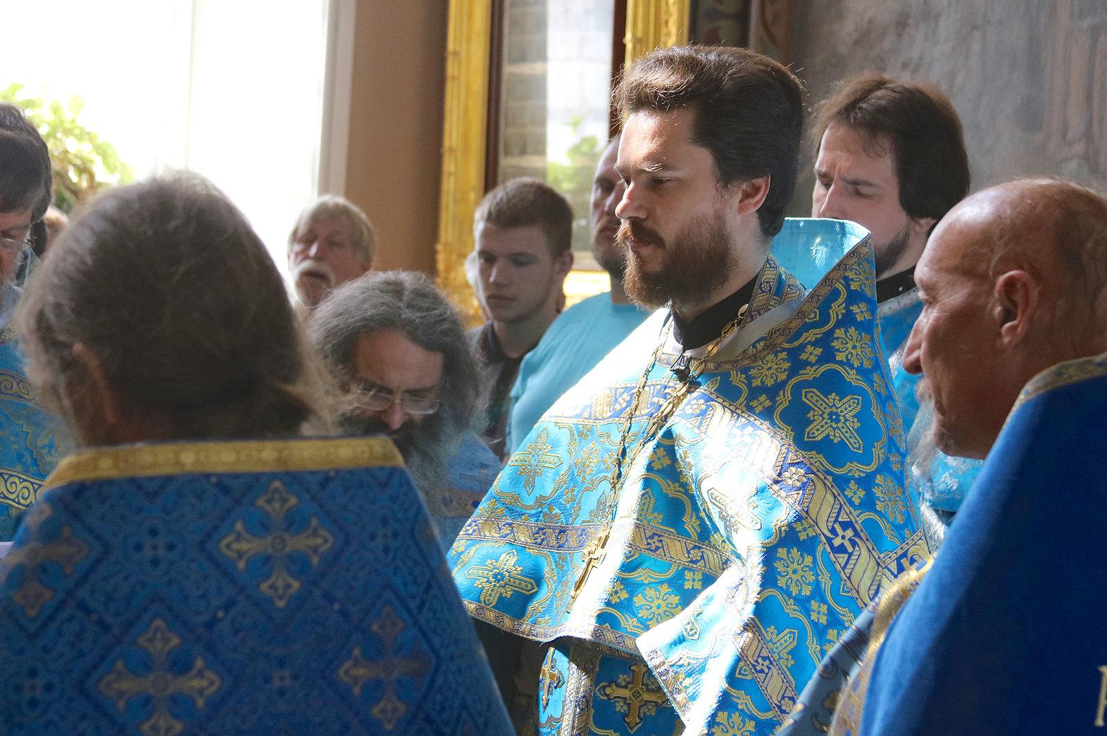 Одигитриевское благочиние отметило престольный праздник соборным богослужением