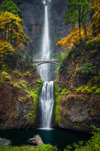 Multnomah Falls and Colors