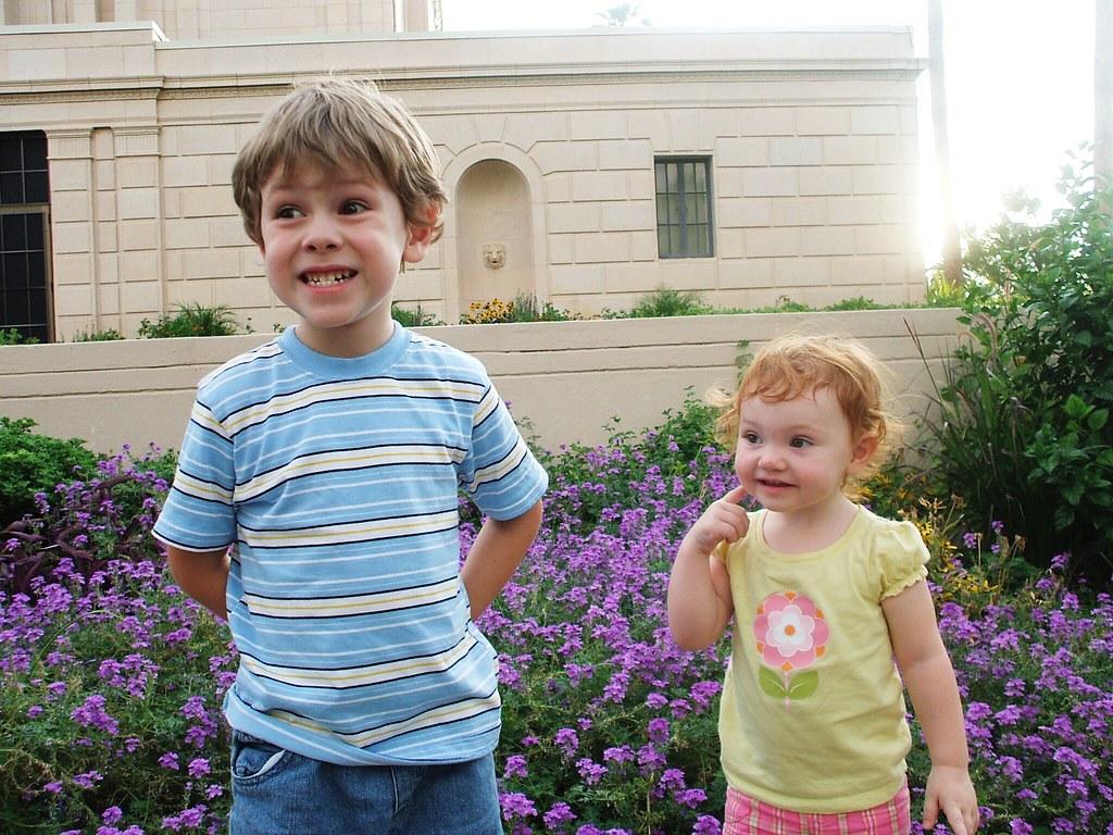 kids at Mesa Temple