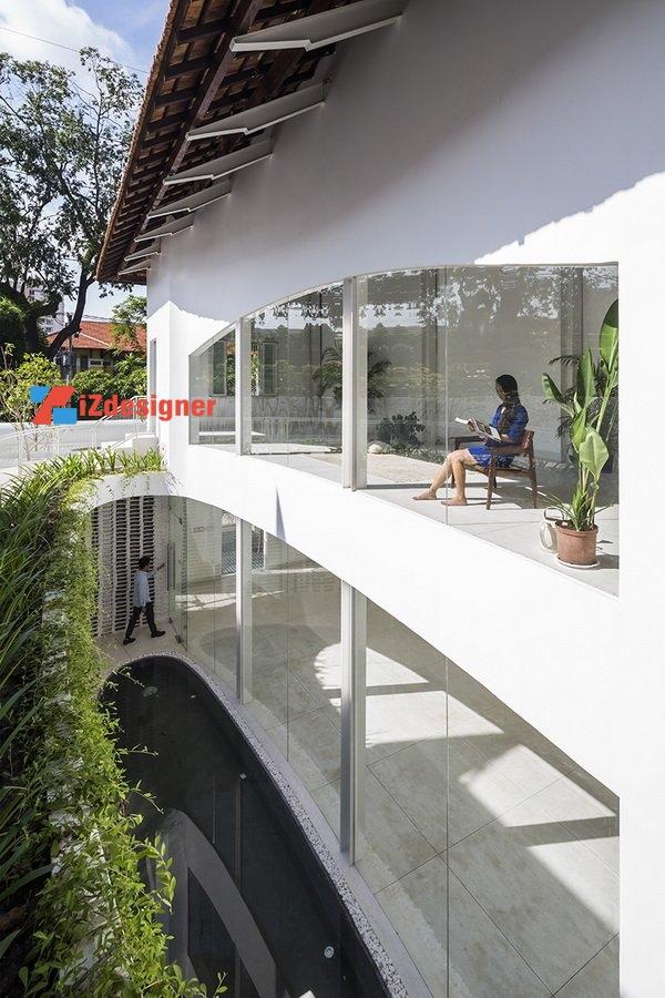 Biệt thự 70 năm được tu sửa với kiến trúc hiện đại tại Sài Gòn