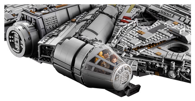 75192 Ultimate Collector Series Millennium Falcon 11