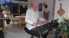 Captain Rick plays a Yamaha PSR-EW400 Keyboard