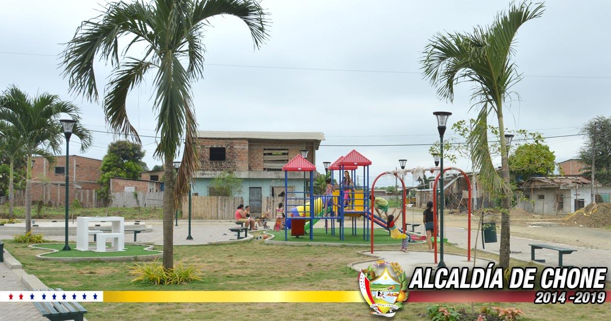 El parque Abdón Calderón ya tiene sus instalaciones infantiles